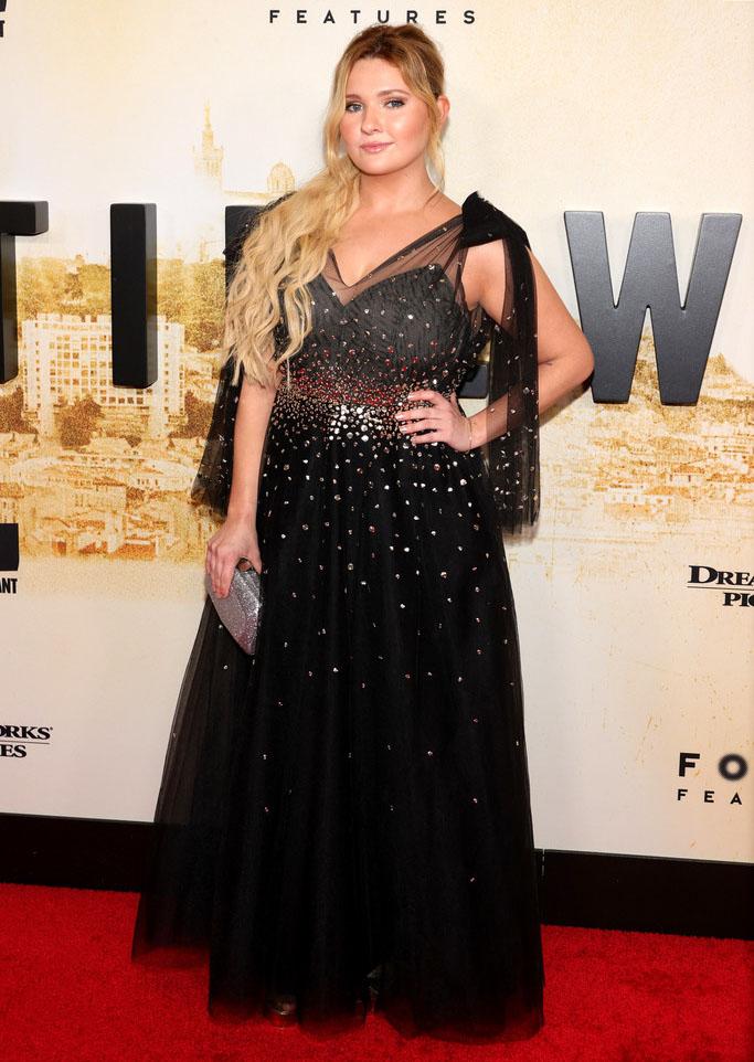 Abigail Breslin Wore Monique Lhuillier To The 'Stillwater' New York Premiere