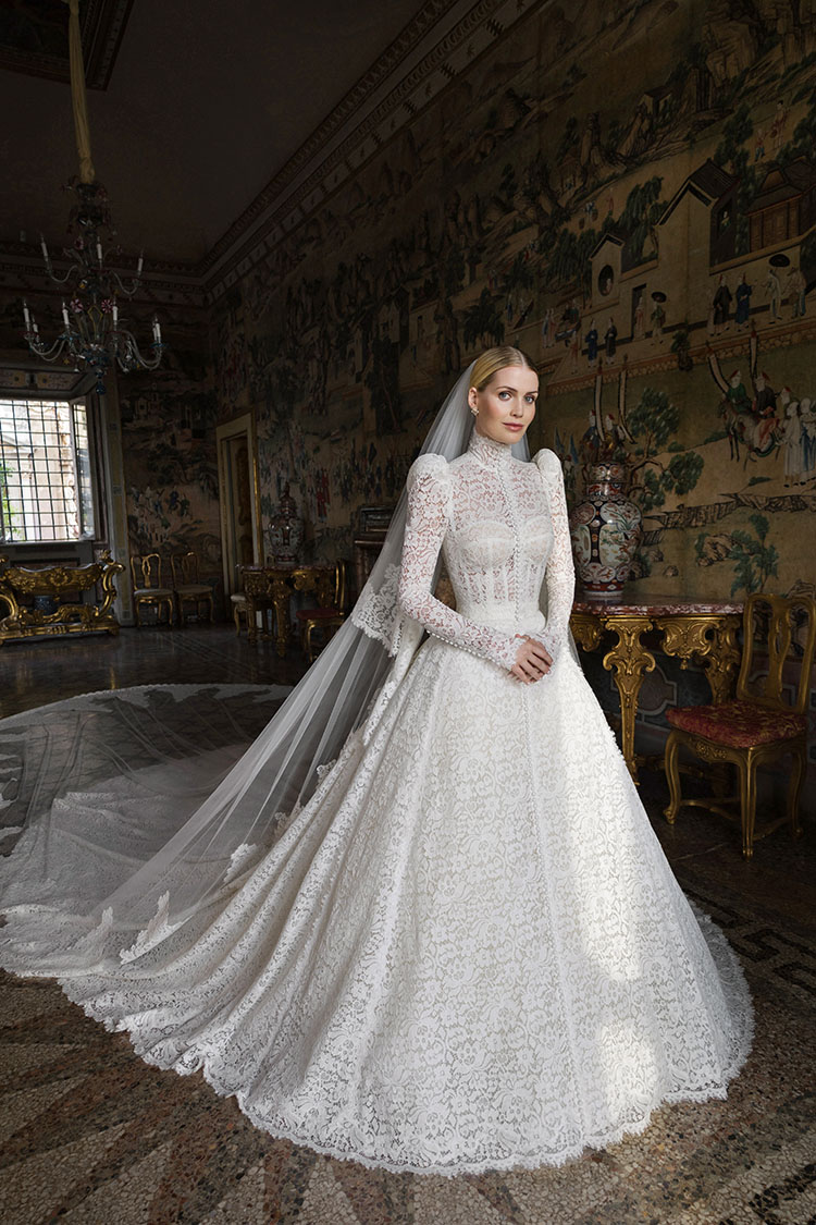 Lady Kitty Spencer Wed Michael Lewis In Dolce & Gabbana Alta Moda