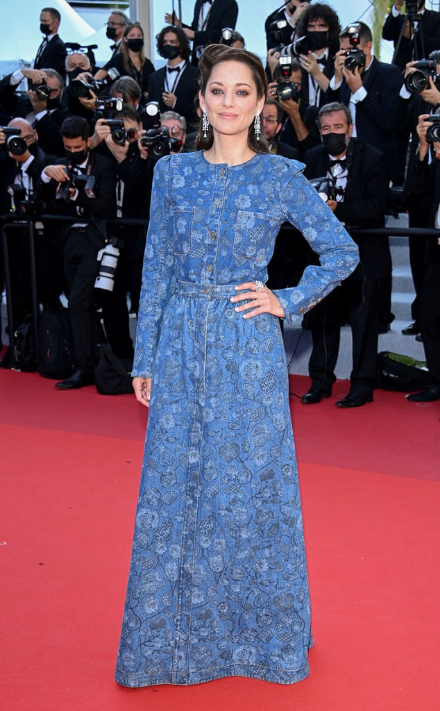 Marion Cotillard Wore Chanel For The  Cannes Film Festival 'Peaceful' Premiere