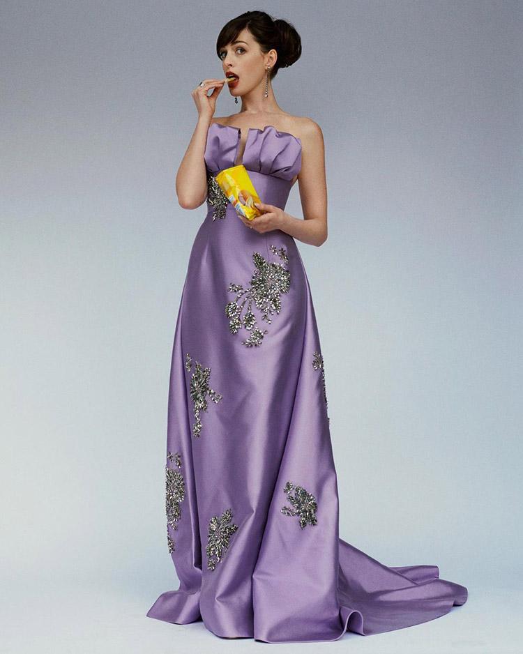 Anne Hathaway Celebrates The Anniversaries Of 'The Princess Diaries' & 'The Devil Wears Prada' In Prada