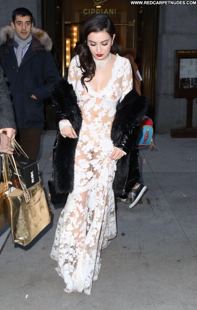Charli Xcx New York See Through Beautiful Twitter New York Posing Hot
