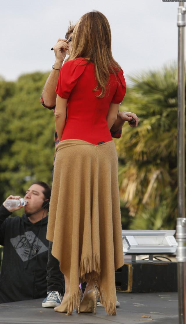 Maria Menounos Performance Los Angeles Posing Hot High Resolution