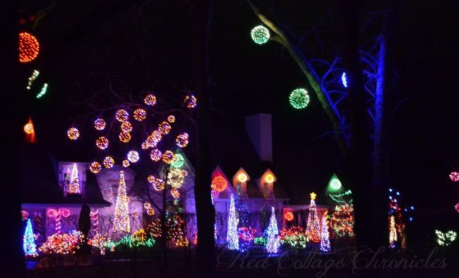 A gorgeous display of Christmas Lights on the Niagara River Parkway, Niagara On The Lake, Ontario