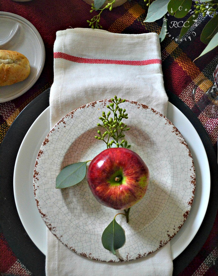 Easy Thanksgiving table setting ideas - year in review