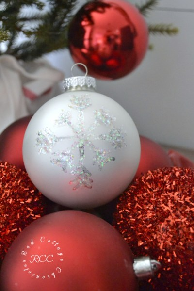 Sparkly Snowflake Ornament Tutorial
