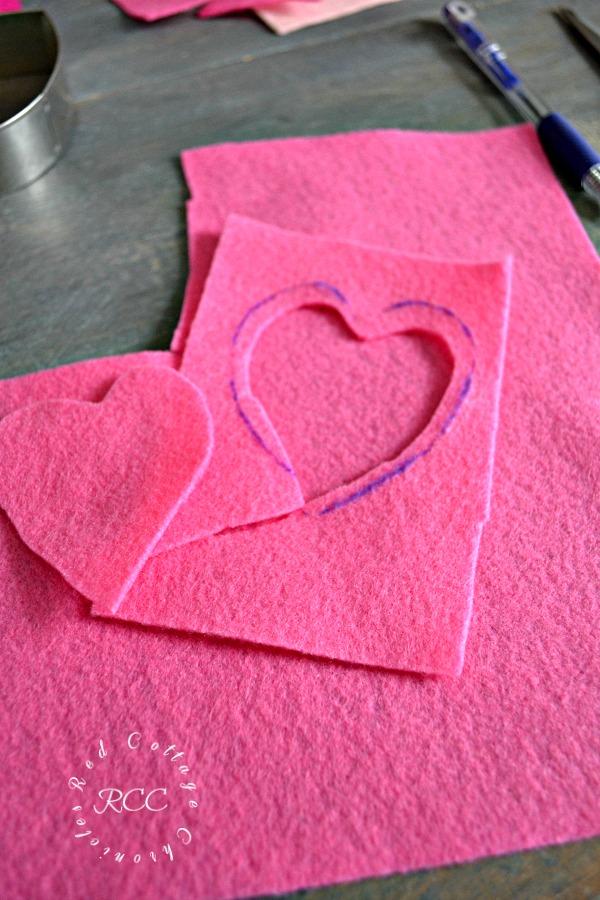 no sew crafts - easy no sew Valentine's pillow