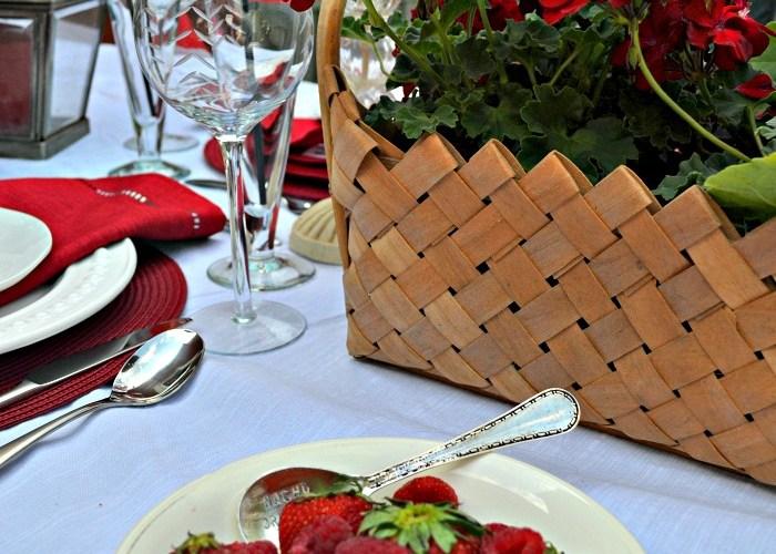 Red, White (& Blue) Tablescape Blog Hop