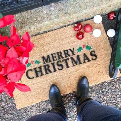 5 Easy and Affordable Outdoor Christmas Decor Ideas