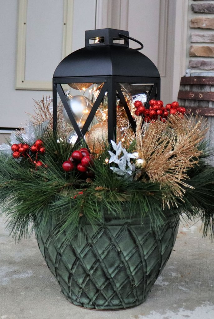5 easy outdoor christmas decor ideas