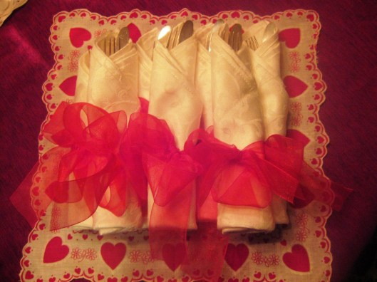 buffet cutlery in napkin fold