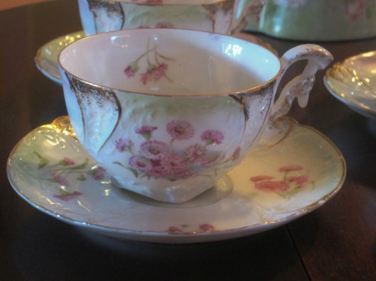 tea cup and saucer close up