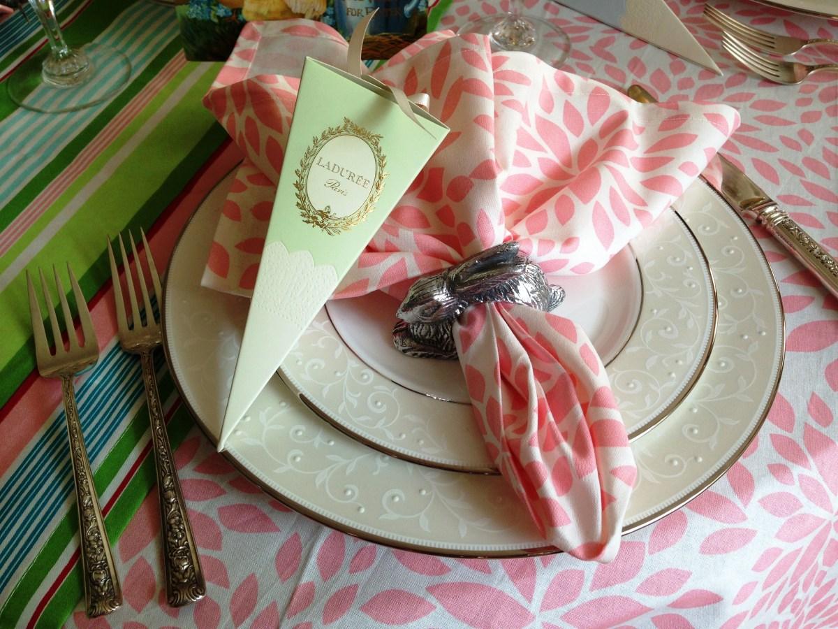 187 Bunny Hop Red Door Table Decor