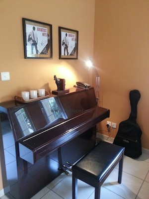 cozy interiors with piano dubai