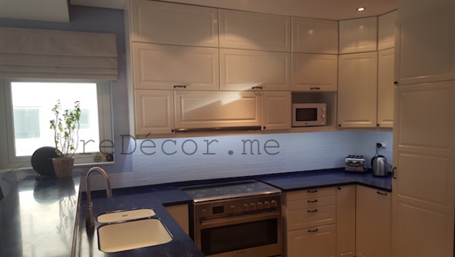 undermounted one piece corian basin, modern off white kitchen, remodelling, modern, white with blue counter, design dubai, custom made cabinets, consultation