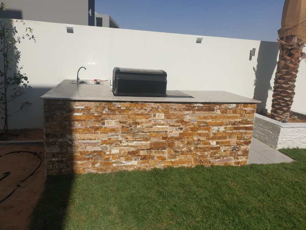 interior designer and ldscaper in dubai, dubai hills, build in bbq, dubai gardes, landscapes, pools