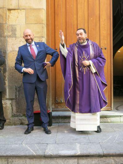 Nuestro Consiliario D. Manuel Flaker y nuestro abad NHD José María Martínez Fernández