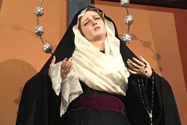 Nuestra Madre ataviada para la festividad de la Exaltación de la Santa Cruz