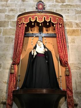 Nuestra Madre ataviada para la Exaltación de la Santa Cruz