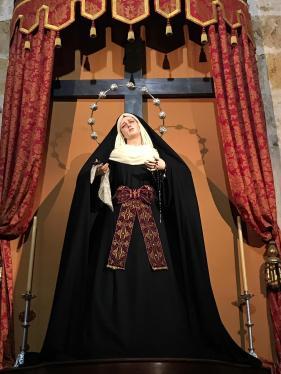 Ntra Madre ataviada para Pascua 2019
