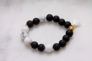 black onyx and howlite gemstone bracelet