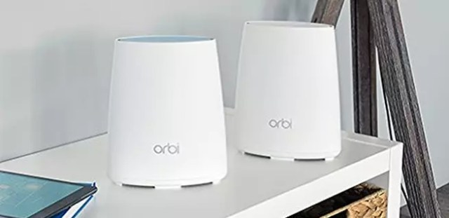 Router y satélite para amplificar la seña WiFi