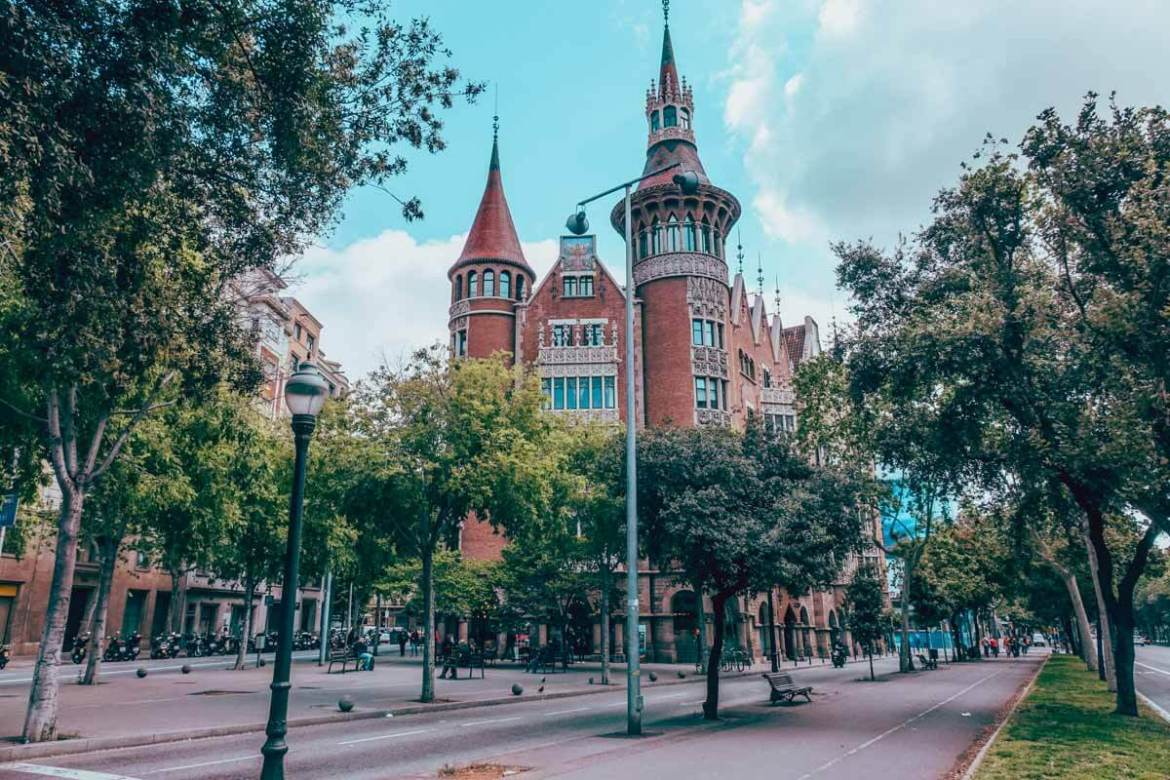 Barcelona Itinerary - Best Things to Do in Barcelona on a Budget 25