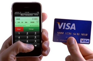 iphonecreditcardterminal small iPhone Credit Card Terminal   now you can accept orders from anywhere