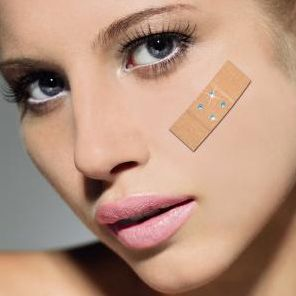 Bling Band Aid – You sure do need first aid