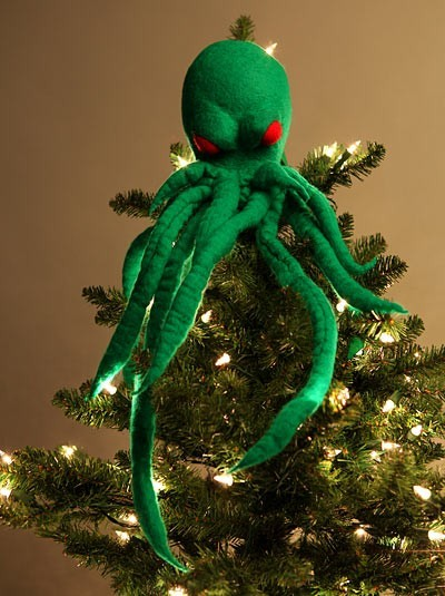 Cthulhu Tree Topper is adorably evil