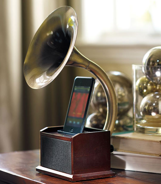 Gramophone iPod Station is wonderfully Steampunk
