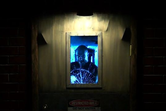 Animatronic Door will scare the pants off your trick-or-treaters