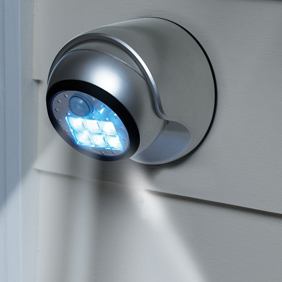 Cordless Motion Activated Light