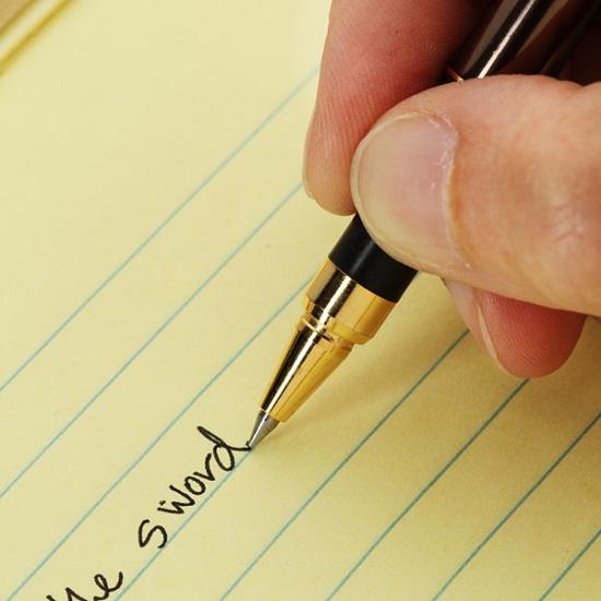 Kyocera Ceramic Tipped Ballpoint Pen brings back the art of writing