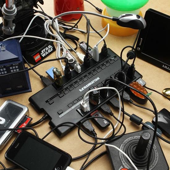 MondoHub has an ungodly amount of USB ports