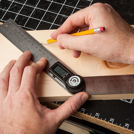 Digital Protractor almost makes you wish you were back in school