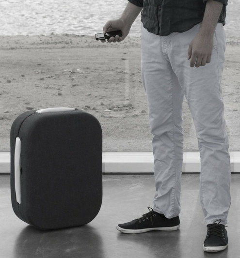 Hop – the suitcase that follows you like a puppy