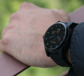 Cookoo Watch converts your wrist into a Bluetooth phone controller