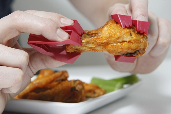 Trongs have found a way to defeat messy finger food