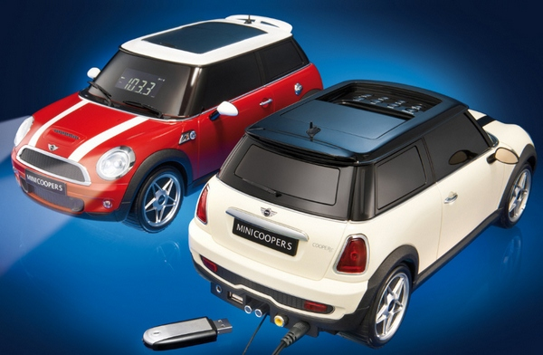 Mini Cooper Sound System Dock – ooh look, working headlamps!