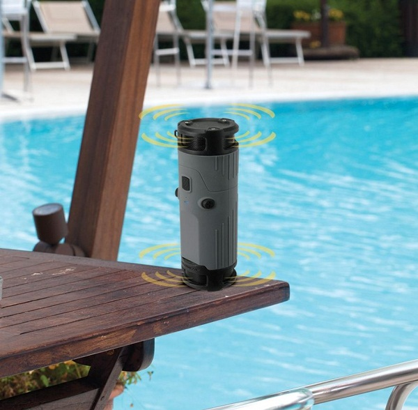 boomBottle gives you music that moves with you