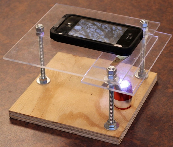 $10 Smartphone To Digital Microscope Conversion [How To]