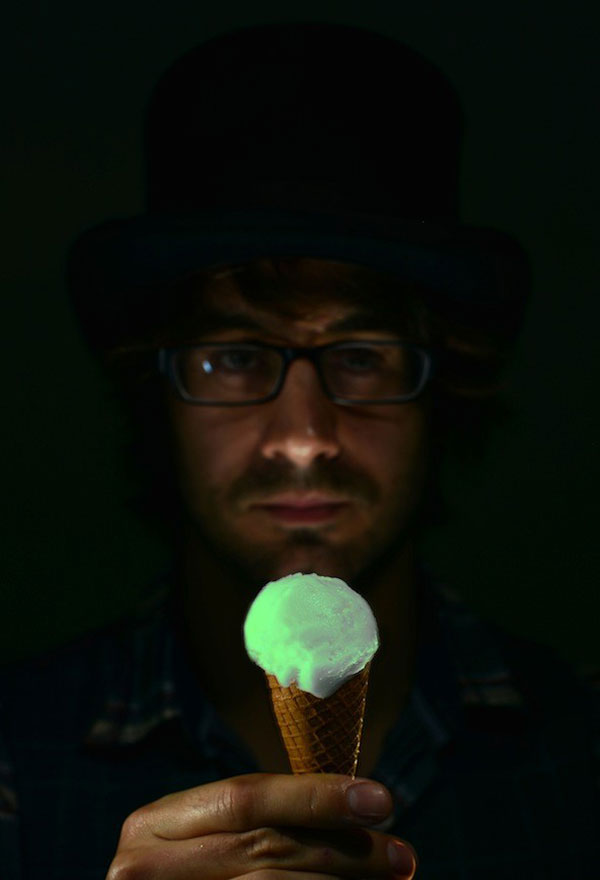 Glow in the Dark Ice Cream – proving science can be yummy