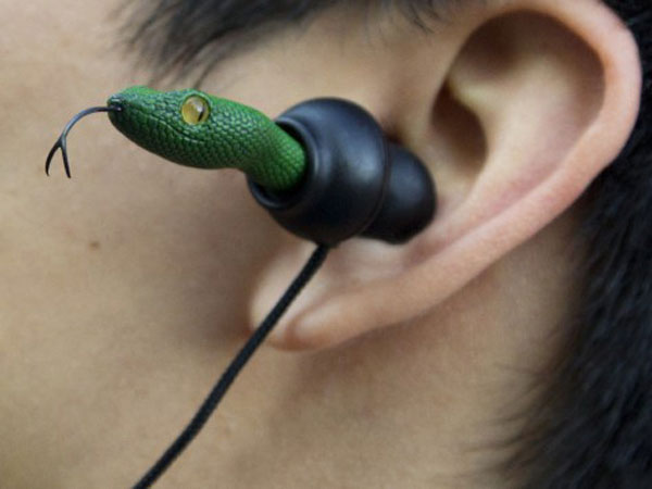 Quarkie Earbuds – For eye-catching ears