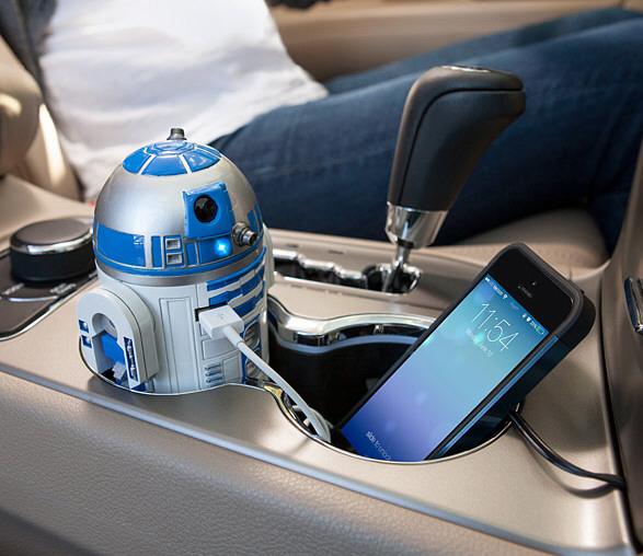 R2-D2 USB Car Charger – the little robot's got your back, Jack