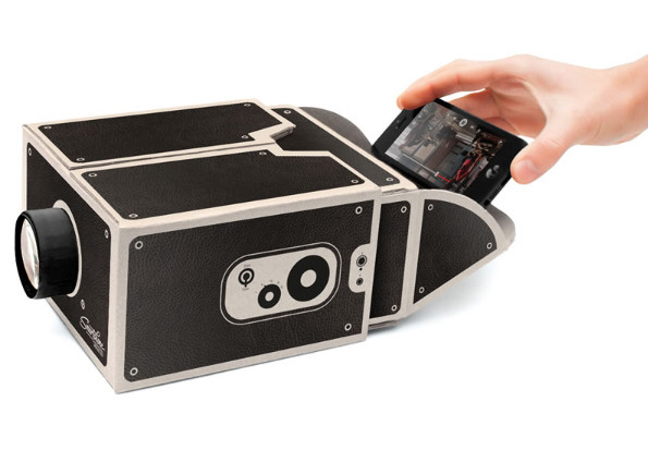 Smartphone Projector – retro style, modern output