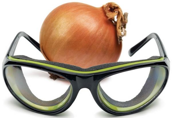 Tear-Free Onion Glasses – stay misty free