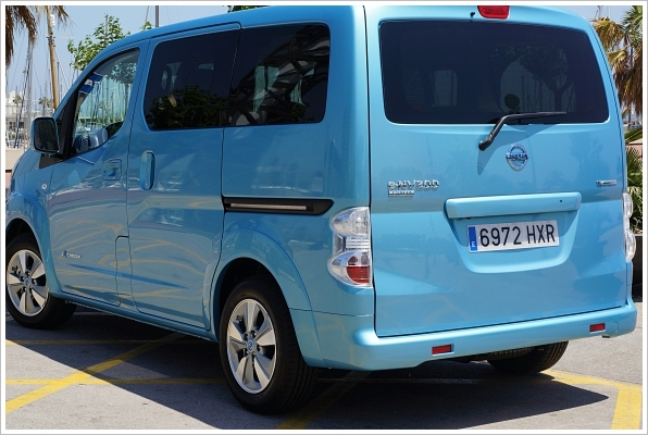 nissane-nv200 (83)Blue
