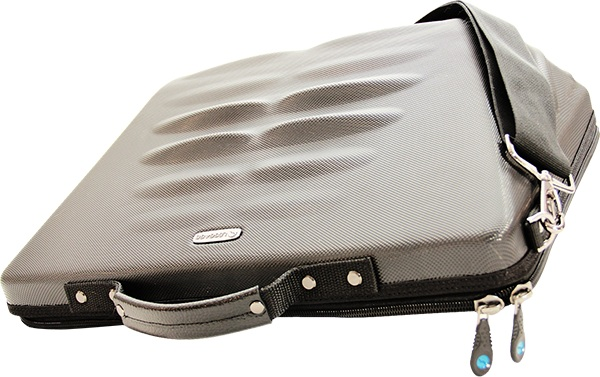 Leggage Laptop Case – the bag that comes with its own foot massage service
