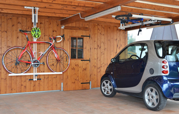 Flat-Bike-Lift – problem parking your bike? Just flip it up to the ceiling
