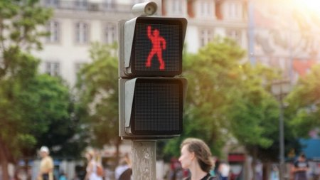 Dancing Traffic Light gets more people to stop